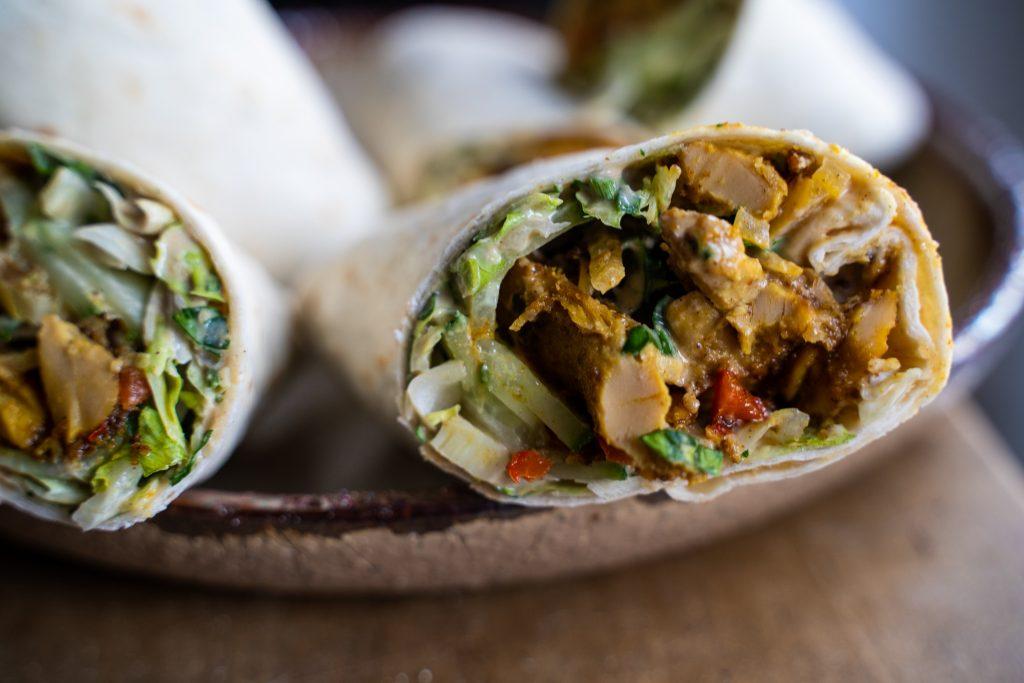 Veganes Schawarma. Das Arabische Gericht, rein pflanzlich.